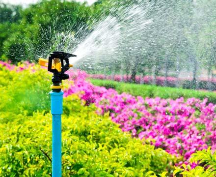 a commercial sprinkler repair in Centennial