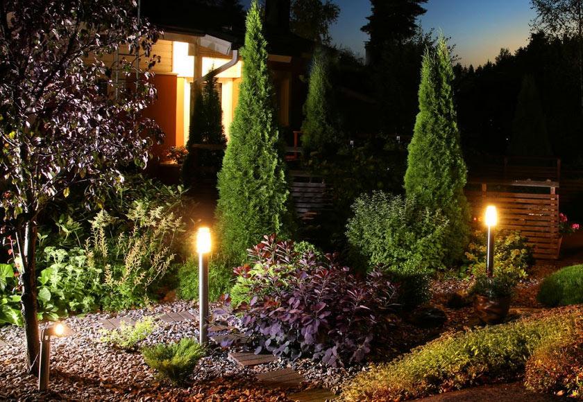 how many lumens for landscape lighting?